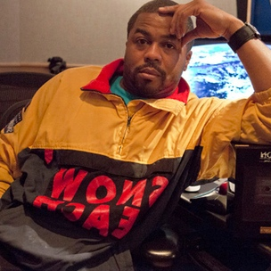 "Just Blaze Waves Off ""EDM"" Badge For Music, Explains Keys To His Longevity"