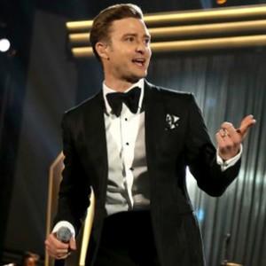 "Justin Timberlake f. Jay-Z - ""Suit & Tie"" [SNL Performance]"