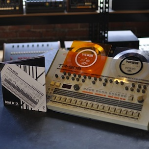 """Producer Joe Mansfield To Publish """"Beat Box: A Drum Machine Obsession"""" Book"""