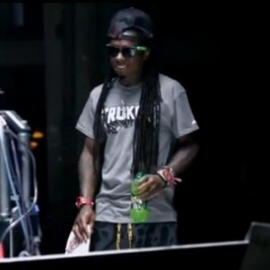 Lil Wayne - The DEWeezy Project Documentary