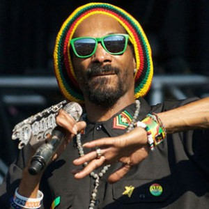 "Snoop Lion Comments On The Deaths Of Tupac & Biggie Opening ""Certain Lanes"" For Artists"