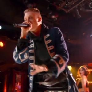 "Macklemore & Ryan Lewis - ""Thrift Shop"" (2013 Billboard Music Awards Live Performance)"