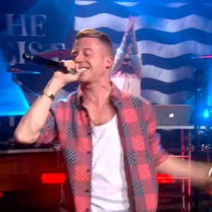 "Macklemore & Ryan Lewis - ""Can't Hold Us"" (The Colbert Report Live Performance)"