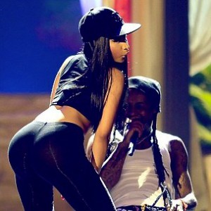 Nicki Minaj Twerks On Lil Wayne At Billboard Music Awards