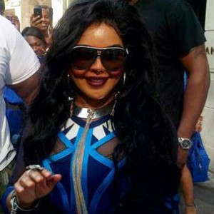 Lil' Kim Meets London Fans At Hotel After Canceled Show
