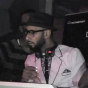 "Swizz Beatz f. Junior Reid - ""One Blood"" and ""No Hands"" (Live At The Pre-VMAs Gala)"