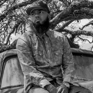 "Stalley Reflects On Paying Homage To ""Swangin'"" Culture With Scarface"