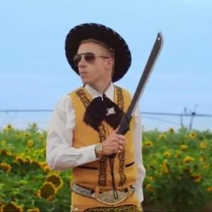 "Macklemore & Ryan Lewis f. ScHoolboy Q & Hollis - ""White Walls"""