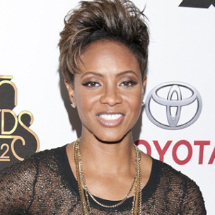 MC Lyte Praises Kanye West & Macklemore's Individuality