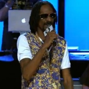 "Snoop Dogg - ""Drop It Like It's Hot"" & ""What's My Name"" (Arsenio Hall Show Performance)"