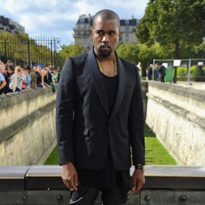 Kanye West Says He Respects French Paparazzi