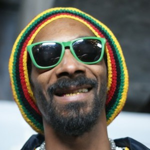 Snoop Dogg Says He's Still A Competitive Rapper