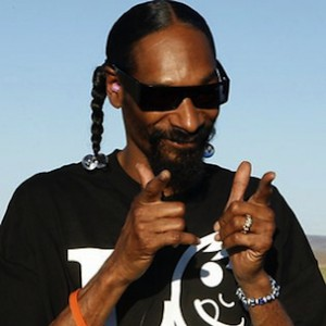 "Snoop Dogg Says He's Never Listened To ""Doggystyle"" In Its Entirety"