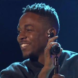 "Kendrick Lamar & SZA - ""Swimming Pools (Drank)"" & ""Poetic Justice"" (2013 American Music Awards Performance)"
