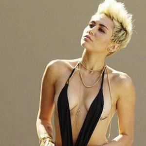 Myley Cyrus Bikini Bilder