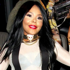 """Lil' Kim Threatened With Lawsuit Over """"Dead Gal Walking"""" Cover Art"""