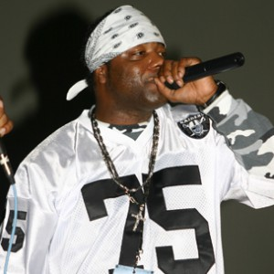 "Spice 1 Recalls Taunting Tupac While On ""Gang Related"" Set"