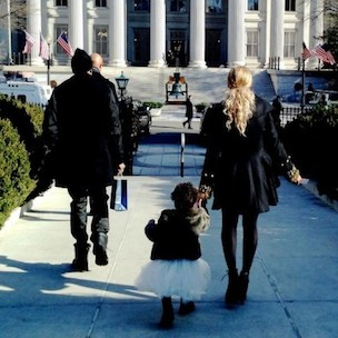 Jay Z & Beyonce Take Blue Ivy To The White House