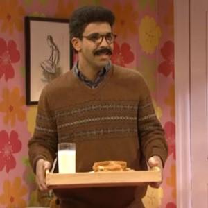 """Drake - """"Slumber Party"""" Skit On SNL"""