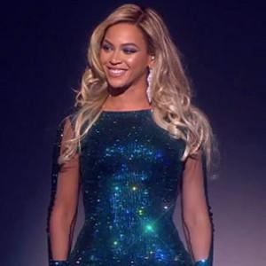 "Beyonce - ""XO"" (2014 Brit Awards Performance)"