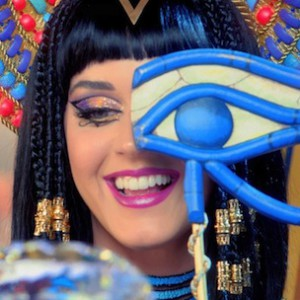 "Katy Perry f. Juicy J - ""Dark Horse"""