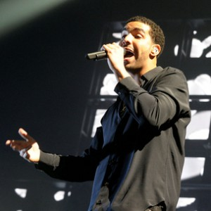 """Drake - Performs Unreleased Song """"Call On Me"""" In Concert"""