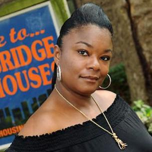 "Roxanne Shante Says Female Rappers Went ""From An Artist To A Commodity"""