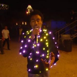 "Childish Gambino - ""3005"" & ""Sweatpants"" (2014 mtvU Woodie Awards Performance)"