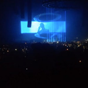 """Drake - Covers Rihanna's """"Stay"""" In Brussels, Belgium"""