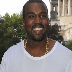 """Kanye West, Tupac Among Rolling Stone's """"20 Landmark Paparazzi Moments"""""""