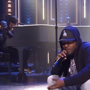 "Alicia Keys f. Kendrick Lamar - ""It's On Again"" (Live On Jimmy Fallon)"