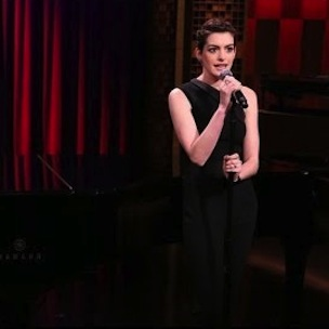 Jimmy Fallon & Anne Hathaway - Sings Snoop Dogg, 50 Cent, And Kendrick Lamar