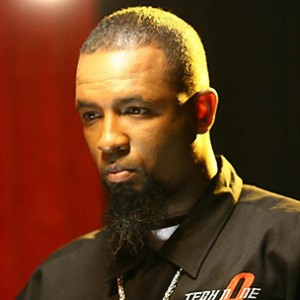 "Tech N9ne Names Eminem ""Best Rapper In The Game"""