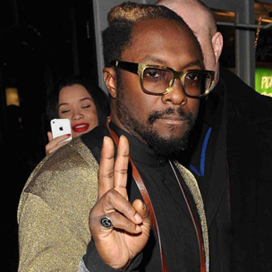 will.i.am Asked To Leave United Airlines First Class Lounge