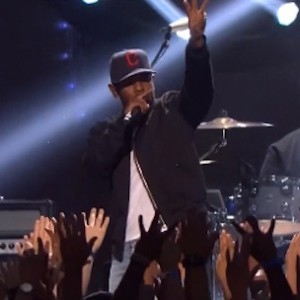 "Kendrick Lamar - Performs ""California Love"" & ""m.A.A.d. city"" (Live At iHeart Music Awards 2014)"