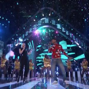 "Pharrell Williams & Gwen Stefani - ""Hollaback Girl"" (The Voice Performance)"