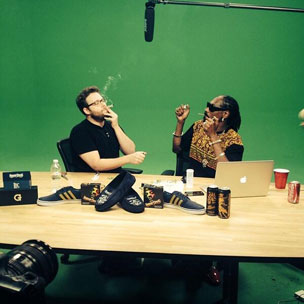 Tweets Is Watching: Snoop Dogg & Seth Rogen Smoke Out