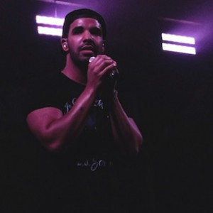 Drake - Smokes For The First Time On Stage With Wiz Khalifa