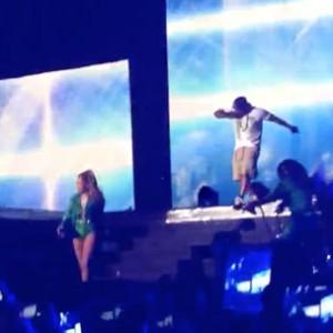 "Jennifer Lopez & Ja Rule - ""Ain't It Funny"" & ""I'm Real"" (Live At The Bronx)"