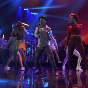 Pharrell Williams - AMEX Unstaged In NYC (Full Performance)