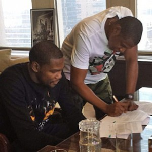 Jay Z's Roc Nation Sports Client Kevin Durant Set To Re-Sign With Nike