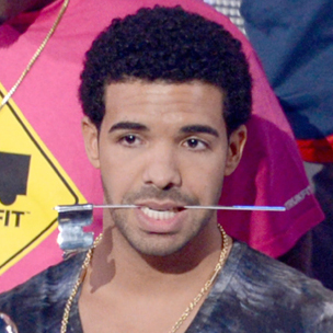 "Drake Says ""Hold On, We're Going Home"" Is Not Hip Hop, Accepts VMA For ""Best Hip Hop Video"""