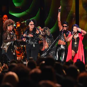 """Lil' Kim, Da Brat, Missy Elliott, Total & Lady of Rage Perform """"Not Tonight (Ladies Night Remix)"""" At 2014 Soul Train Awards"""