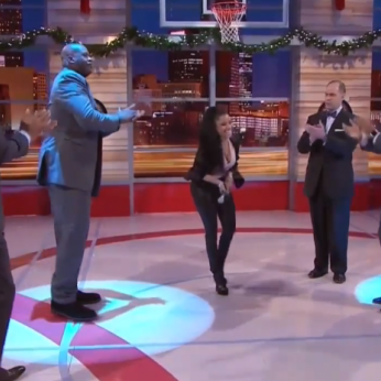 "Nicki Minaj Rap With Shaq, Kenny Smith, Grant Hill & Ernie Johnson On ""Inside The NBA"""