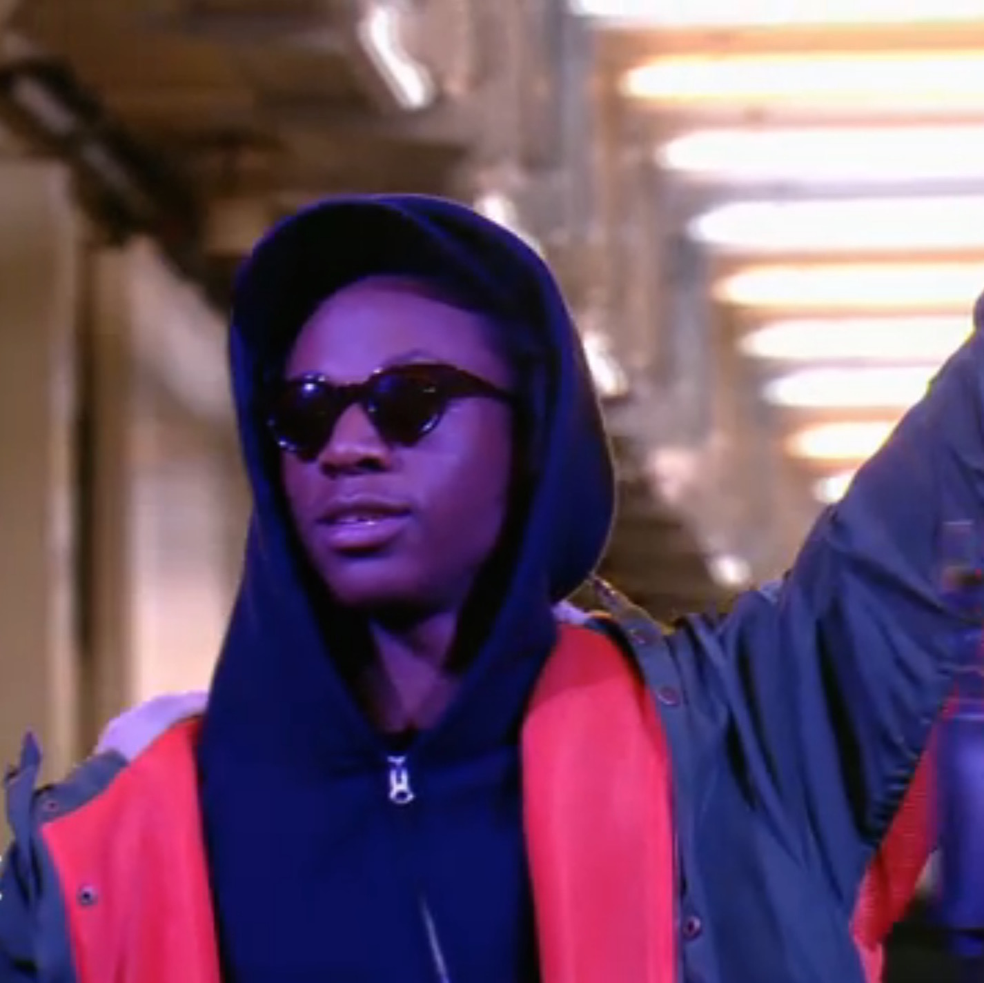 """Joey Bada$$ Performs """"Paper Trails"""" On Le Before Grand Journal"""
