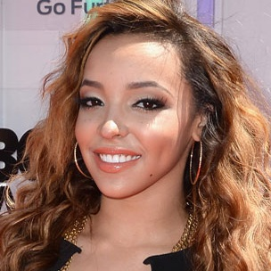 Tinashe Reveals Why She's Touring With Nicki Minaj Instead Of Iggy Azalea