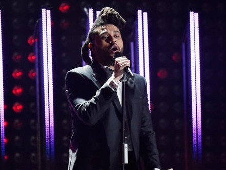 """The Weeknd Performs """"Can't Feel My Face"""" & """"In The Night"""" At The Grammys"""