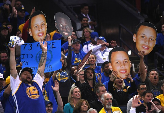 Bay Area Rappers Celebrate Golden State Warriors 73-9 Season