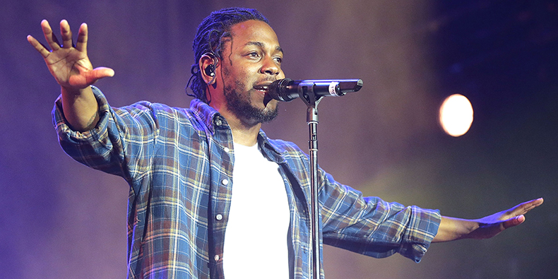 "Kendrick Lamar Makes The Crowd ""Levitate"" During March Madness Music Festival"