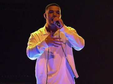 """Drake Performs """"One Dance"""" On Saturday Night Live"""